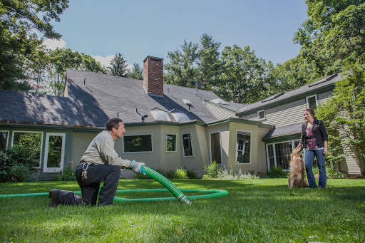 Why Choose a Professional for Your Septic Tank Service?